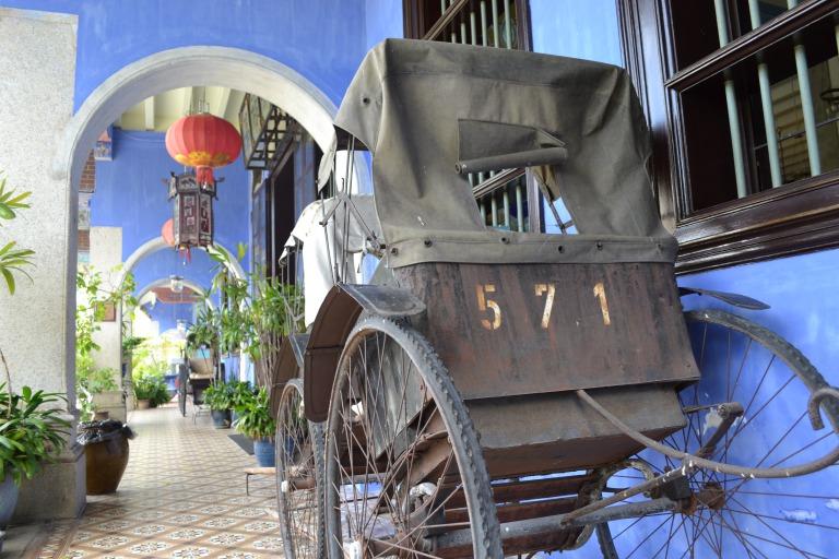 マレーシア ジョージタウンにある Cheong Fatt Tzeさんのブルーがすてきな邸宅、 「The Blue Mansion」におじゃましてきました。