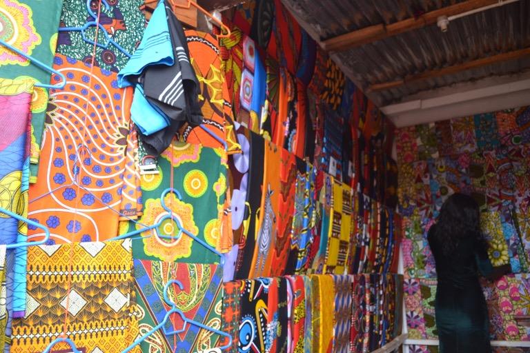 オリジナルのアフリカンネクタイ作り マラウイ 裁縫