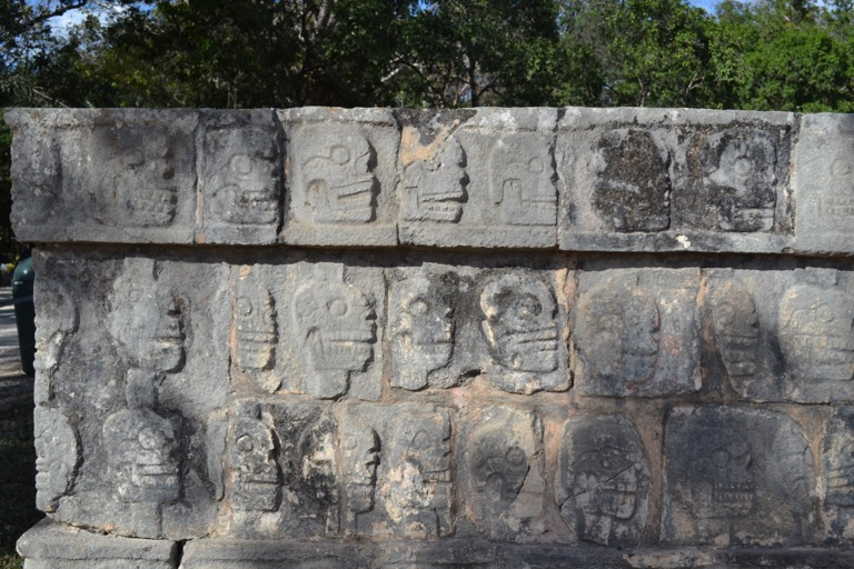 メキシコのユカタン半島にあるマヤ文明の遺跡、 「チチェン・イッツァ(Chichén Itzá)」に行った。