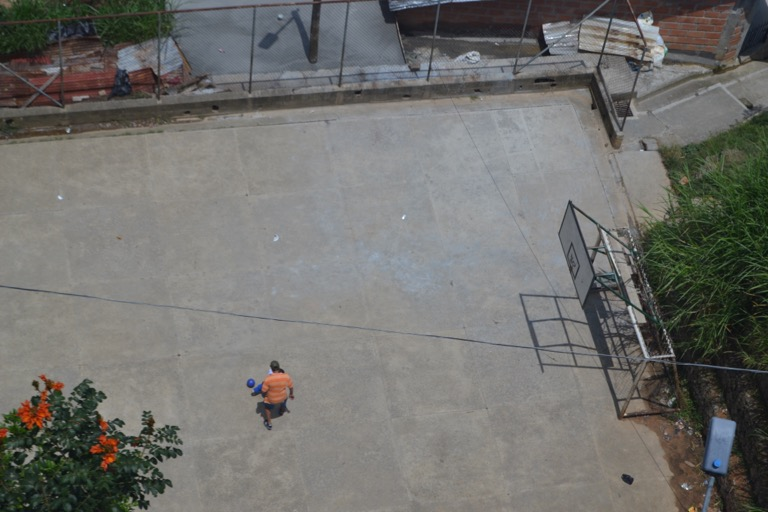 コロンビア メデジン ケーブルカー 暮らし