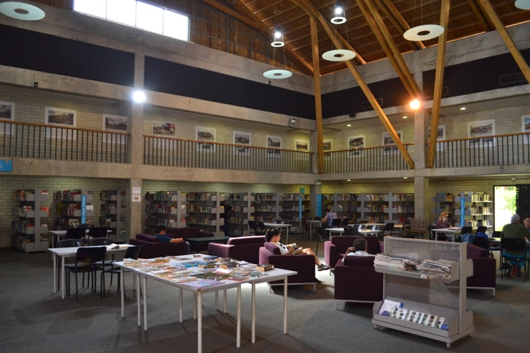 コロンビア メデジン  図書館 ケーブルカー 治安