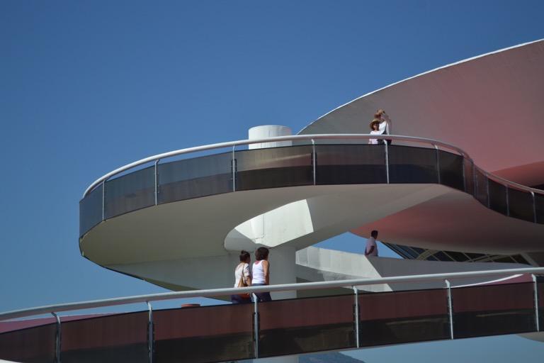 ブラジル リオデジャネイロ ニテロイ現代美術館(MAC) オスカー・ニーマイヤー