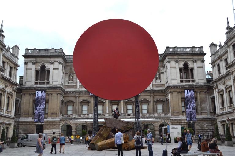 ロンドン 赤 色