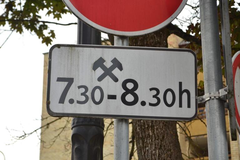 リトアニア ビルニュス つっこみなサイン
